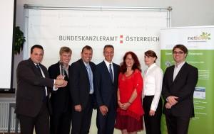 Von links nach rechts Günther Tschabuschnig, Gregor Eibl, Public Service Award, Roland Ledinger, Norbert Schöfberger, Brigitte Lutz, Claudia Garád, Martin Kaltenböck.